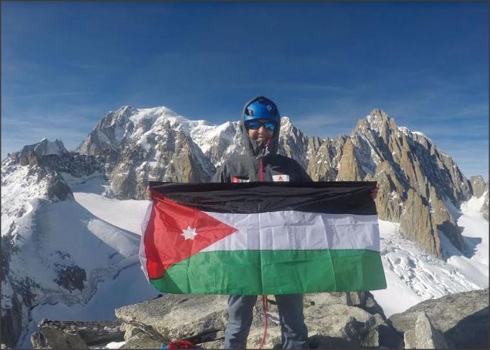 المتسلقة الأردنية دولورس الشلة تواصل تحضيرتها لقمة افيرست