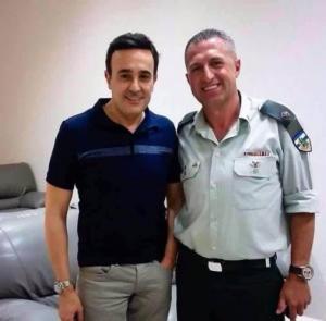 بالفيديو .. ماذا قال صابر الرباعي عن صورته مع الضابط الإسرائيلي؟