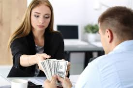 خالي يطلب مني النقود دون علم زوجي فهل أداينه؟