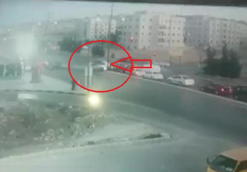 بالفيديو  ..  لحظة وقوع حادث مروع بسبب قطع الإشارة الحمراء في اربد