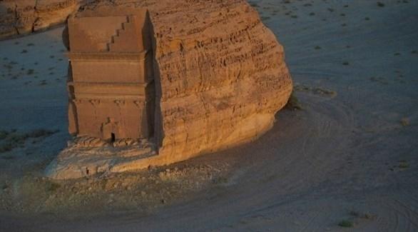 العُلا  ..  جولات بالهليكوبتر لمشاهدة التراث الجيولوجي الثري