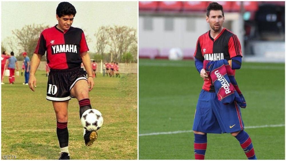 """بالصور ..  ميسي يتذكر مارادونا بـ""""القميص المشترك"""""""