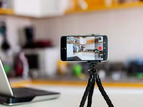 هل تستخدم كاميرا الويب؟ احذر بيانات ملايين المستخدمين بخطر