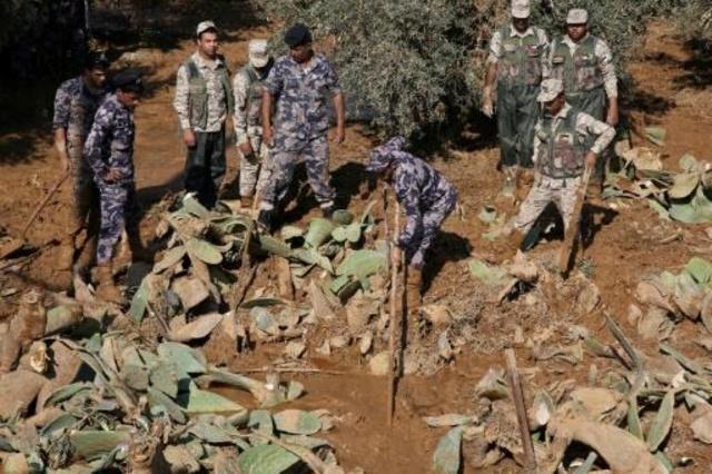 (500) رجل امن وعسكري من الجيش للبحث عن الطفلة المفقودة في البحر الميت