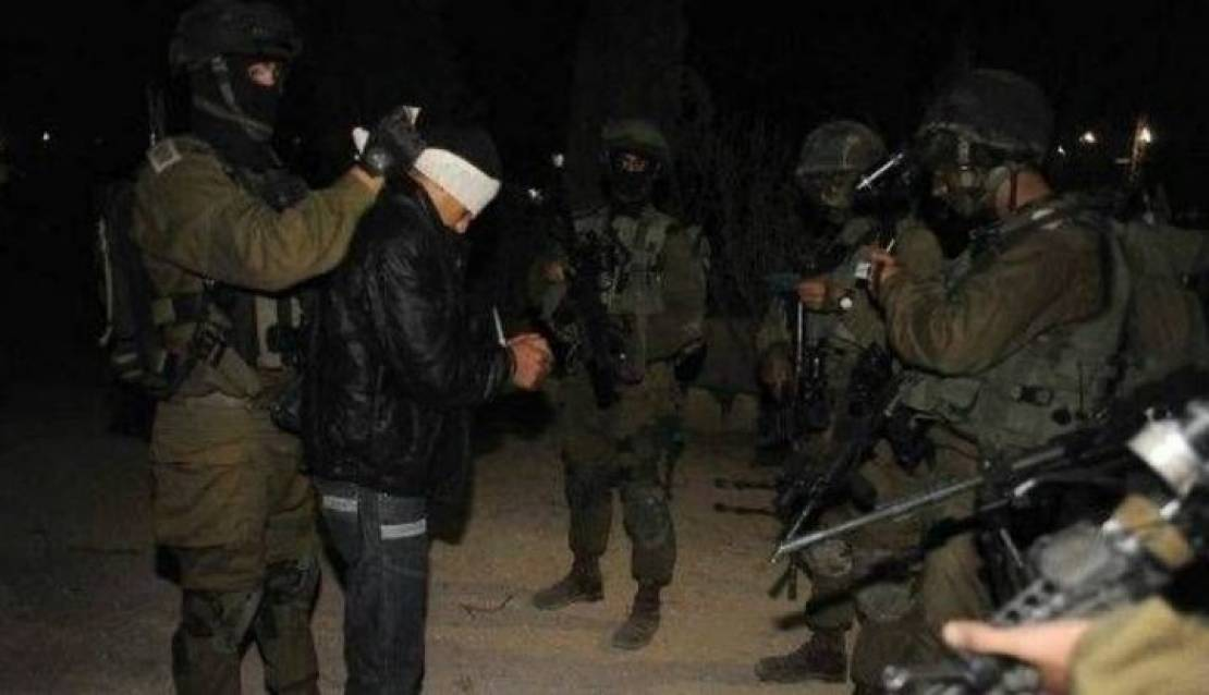 اعتقالات ومداهمات في مناطق متفرقة بالضفة والقدس المحتلتين