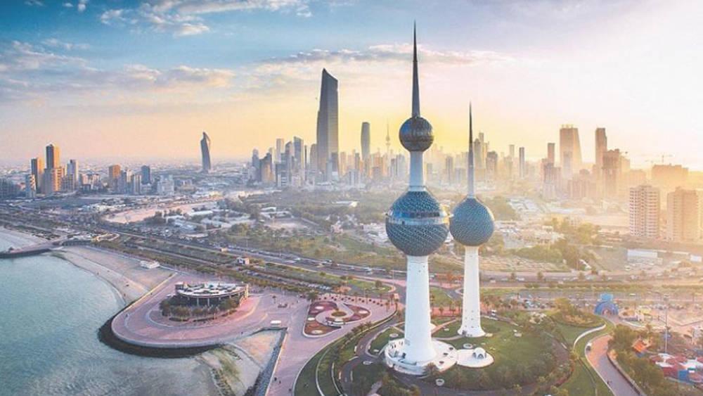 الكويت: إلغاء التباعد في المساجد ..  وفتح المطار لرحلات الطيران