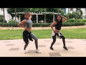 فيديو :  فتاة وشقيقتها تشعلان الإنترنت بطريقة رقصهما على أغنية 'ديسباسيتو'!