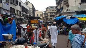 بالصور  ..  أفضل الانشطة في شارع العرب مومباي الهند