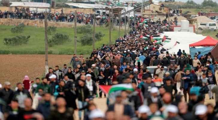 """الفلسطينيون يستعدون لـ """"جمعة جديدة"""" على حدود غزة"""