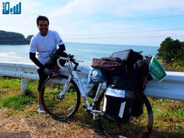 """بالصور : في رحلةٍ استغرقت 38 يوماً  ..  السعودي """"العمير"""" أول عربي يقطع اليابان على دراجة"""