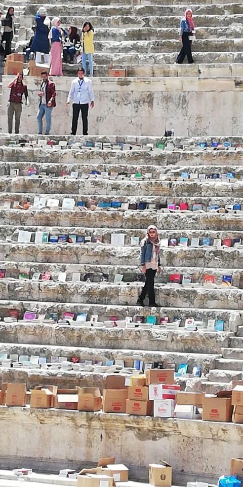 """بالصور  .. الوزير ابو رمان : فرش المدرح الروماني بآلاف الكتب لإطلاق فعالية """" كتابنا حضارتنا """" هذا المساء"""