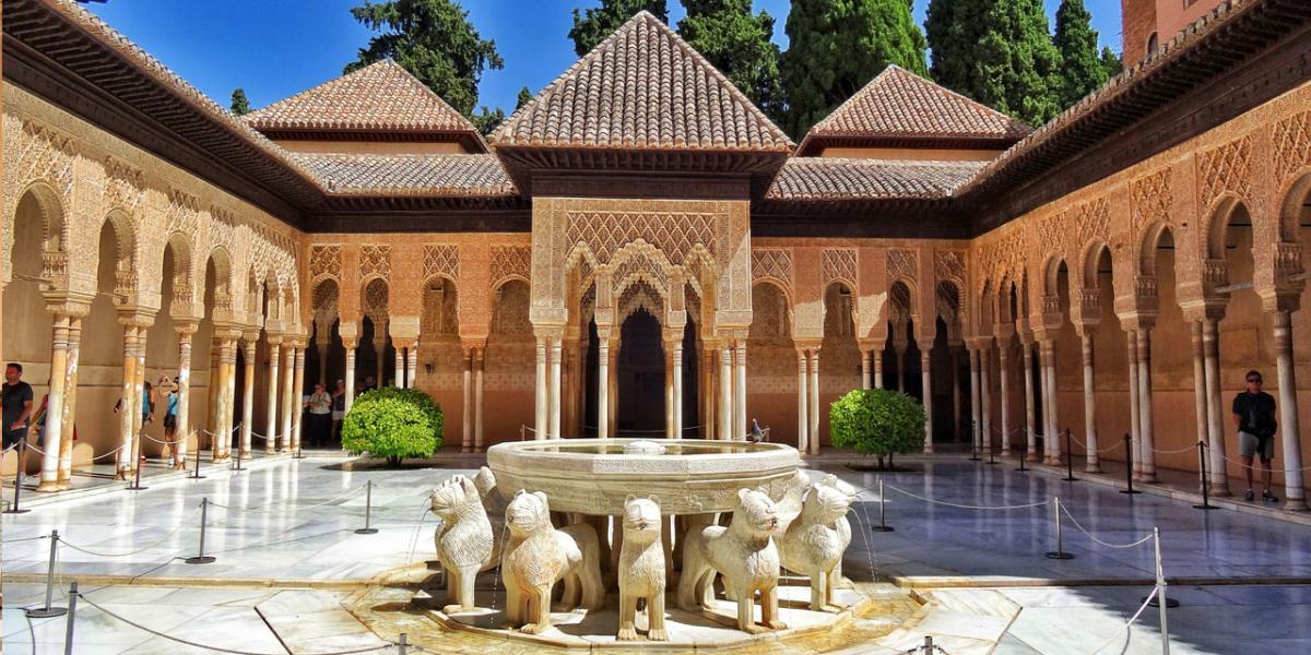 قصر الحمراء التاريخي ..  روعة السياحة الأندلسية!