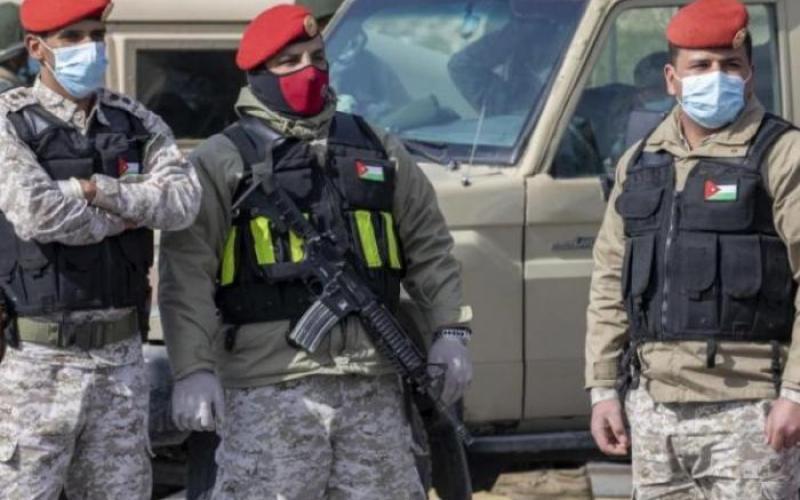 الأمن العام يباشر بحجز المركبات التي لا تحمل التصاريح اللازمة للحركة و دوريات راجلة و آلية في الأحياء السكنية