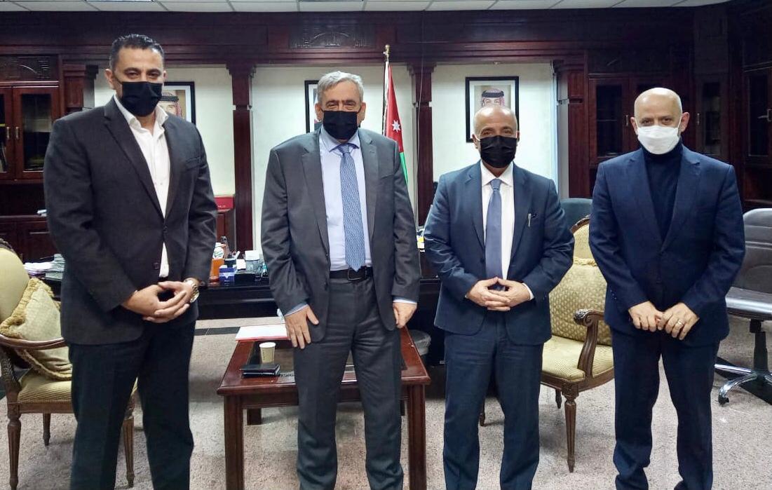 النائب ابو حسان والحاج توفيق  يلتقيان وزير الصحة