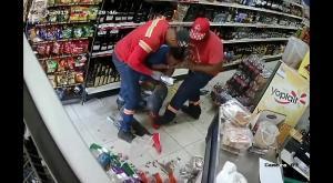 شاهد بالفيديو .. نهاية مأسوية لرجل حاول سرقة متجر