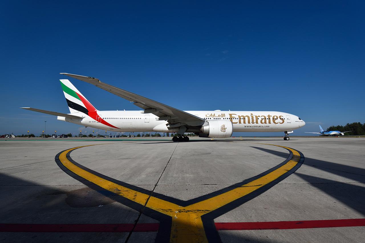 طيران الإمارات تتيح حجز إجازاتهم الصيفية إلى 40 وجهة لا تشترط الحجر الصحي