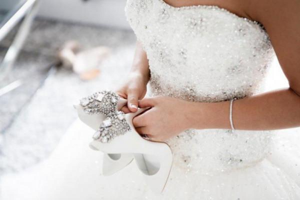 حبوب تخسيس تتسبب بوفاة عروس كويتية قبل زفافها بيوم ..  ووالدها يُفجر مفاجأة