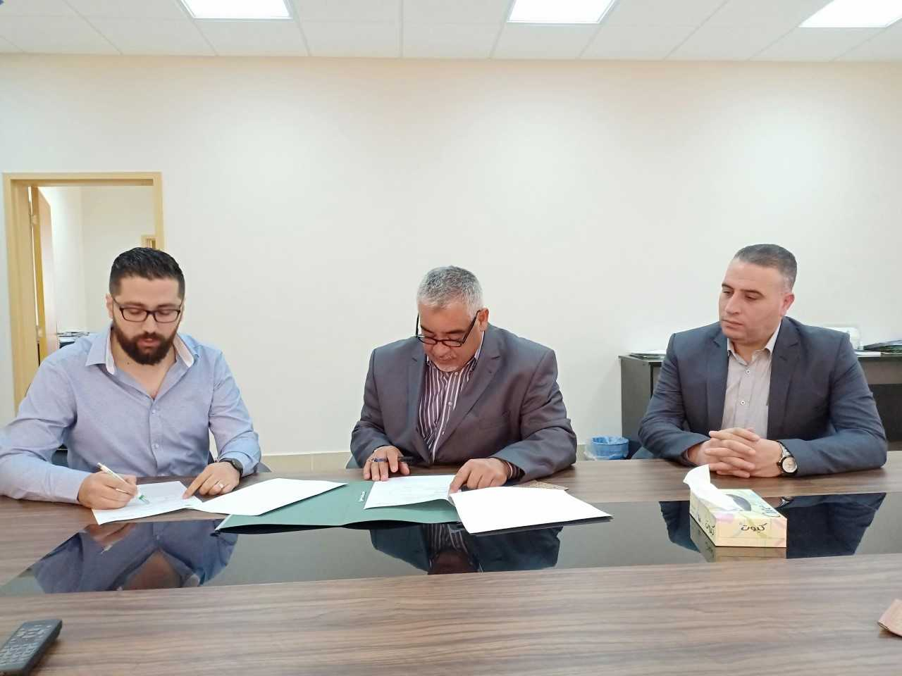 جامعة الزيتونة الأردنية توقع اتفاقية مع شركة تك نوليدج لاستخدام برنامج اكتشاف الاستلال