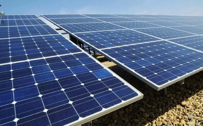 مواطنون: ارتفاع قيمة الفاتورة المنزلية المعتمدة على الخلايا الشمسية