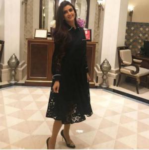 بالصور شاهدي ما علاقة فستان علا فارس بنادين نجيم