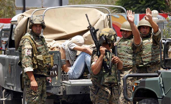 الجيش اللبناني يحرر 7 من جنوده في عرسال