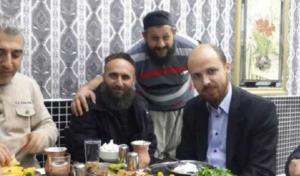 """بالصور .. نجل أردوغان مع قياديين في """"داعش"""""""