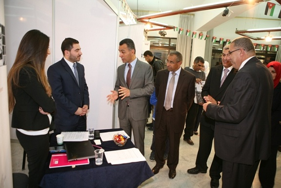 اقبال طلابي واسع على اليوم الوظيفي في الأردنية