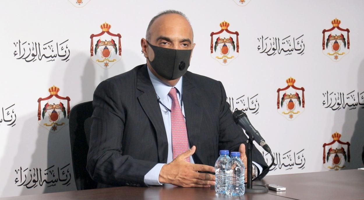 """الوزير المستقيل من حكومة الخصاونة: """"اضبطوا تصريحات الوزراء  ..  الله المستعان"""""""