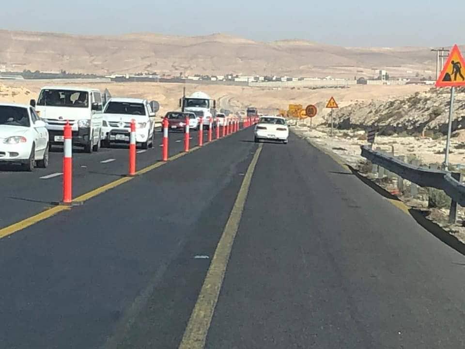 بالصور .. تحذير لسالكي الطريق الصحراوي