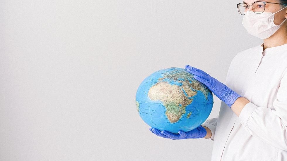باحثة تكشف المسؤول عن زيادة احتمال تفشي الأوبئة في العالم