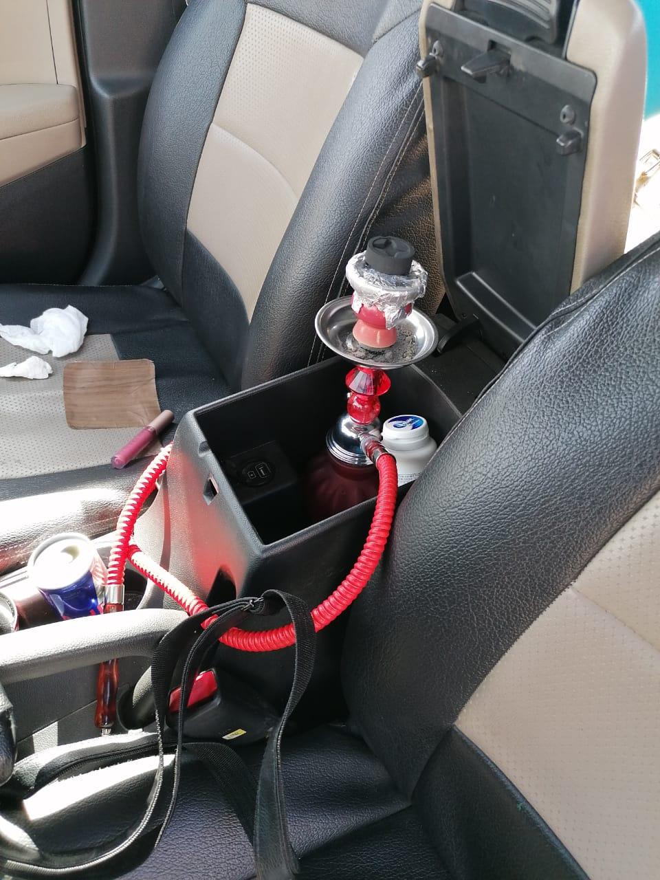 الدوريات الخارجية تضبط سائق  يدخن الارجيلة اثناء القيادة
