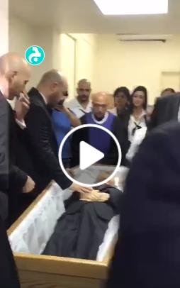 بالفيديو  .. شاهد تشييع جثمان المخرج اللبناني سيمون أسمر