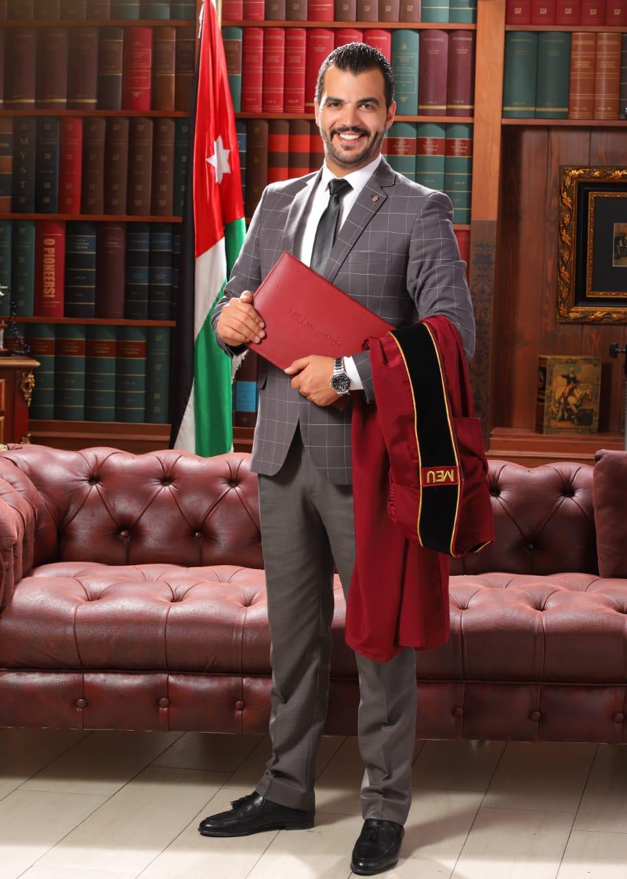 """المحامي """"بدر الحراسيس"""" مبارك التخرج"""