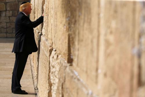 البيت الأبيض: لا يمكن رؤية حائط البراق خارج إسرائيل