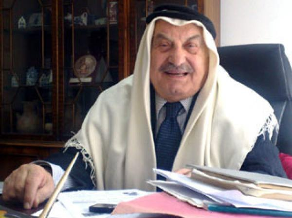 وفاة المؤرخ والسياسي البارز الدكتور رؤوف ابو جابر