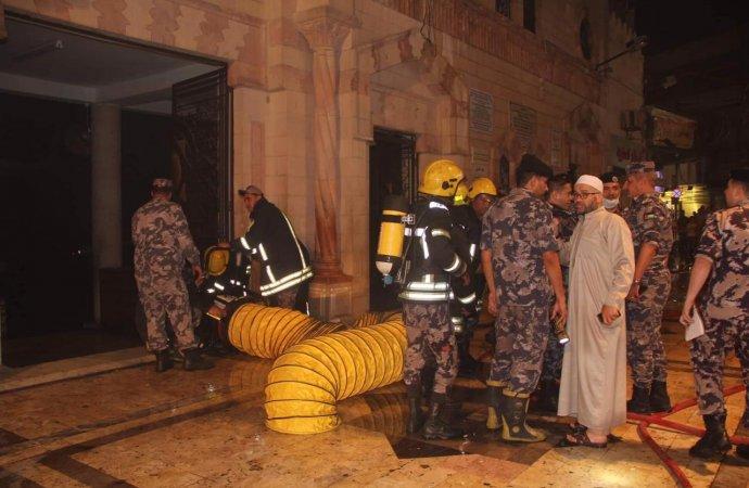 """""""الأوقاف"""": الصلاة في المسجد الحسيني كالمعتاد"""