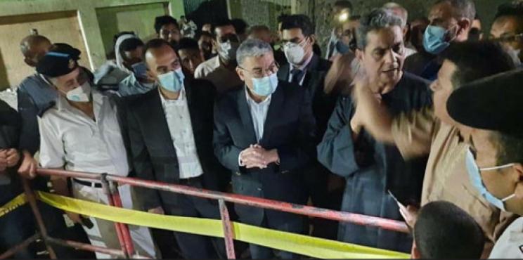 6 وفيات و13 إصابة بسقوط مصريين بغرفة للصرف الصحي في صعيد مصر