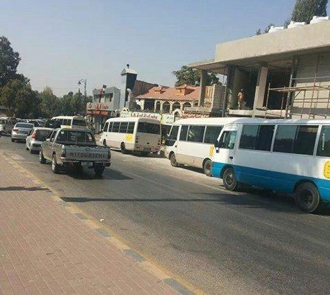 """جرش : سائقو حافلات يضربون عن العمل احتجاجا """"الخصوصي""""  ... صور"""