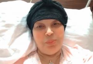 فيديو ..  أول ظهور للفنانة فيفي عبده بعد العملية الجراحية