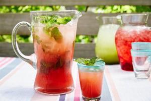 شراب البطيخ والحامض والنعناع لصيفٍ منعش!