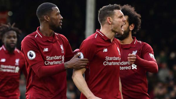 ليفربول يتصدر الدوري الإنجليزي مؤقتاً بفوز صعب على فولهام