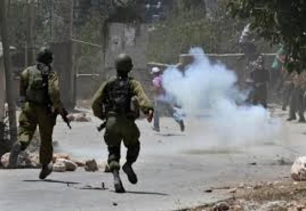 اصابات بالاختناق بمواجهات مع الاحتلال في قرية زبوبا غرب جنين