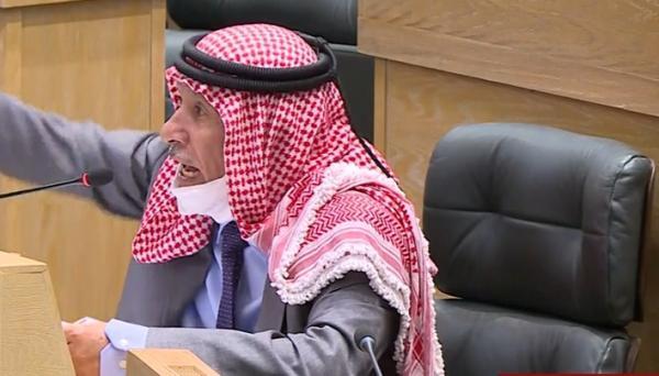 قطع الصوت عن النائب صالح العرموطي في مجلس النواب ..  والأخير يصرخ: من سمح للموظف بقطع الصوت؟!