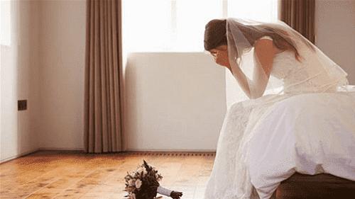 كورونا يجبر عروس على الهروب من حفل زفافها!
