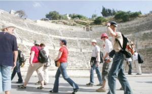 عناب ترجح استمرار توافد السياح العرب للمملكة