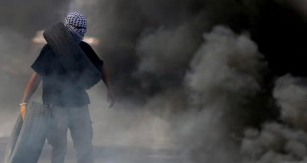 """إصابة عدد من الفلسطينيين بمواجهات مع الاحتلال عند المدخل الشمالي"""" للبيرة"""""""
