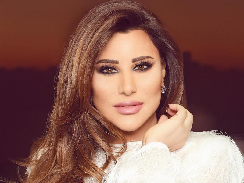 نجوى كرم تدعم محبيها من فلسطين