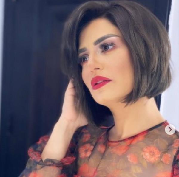 لهذا السبب ..  منة فضالي تشعل خلافاً مع ياسمين صبري