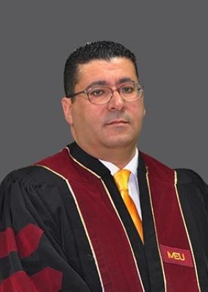 """الدكتور أحمد طبية من جامعة الشرق الأوسط MEU  يبحث في """"الثقافة الرقمية ودرجة توفرها لدى المُعلِّمين والمُديرينَ العامِّينَ في أماكن العمل التعليمية"""""""