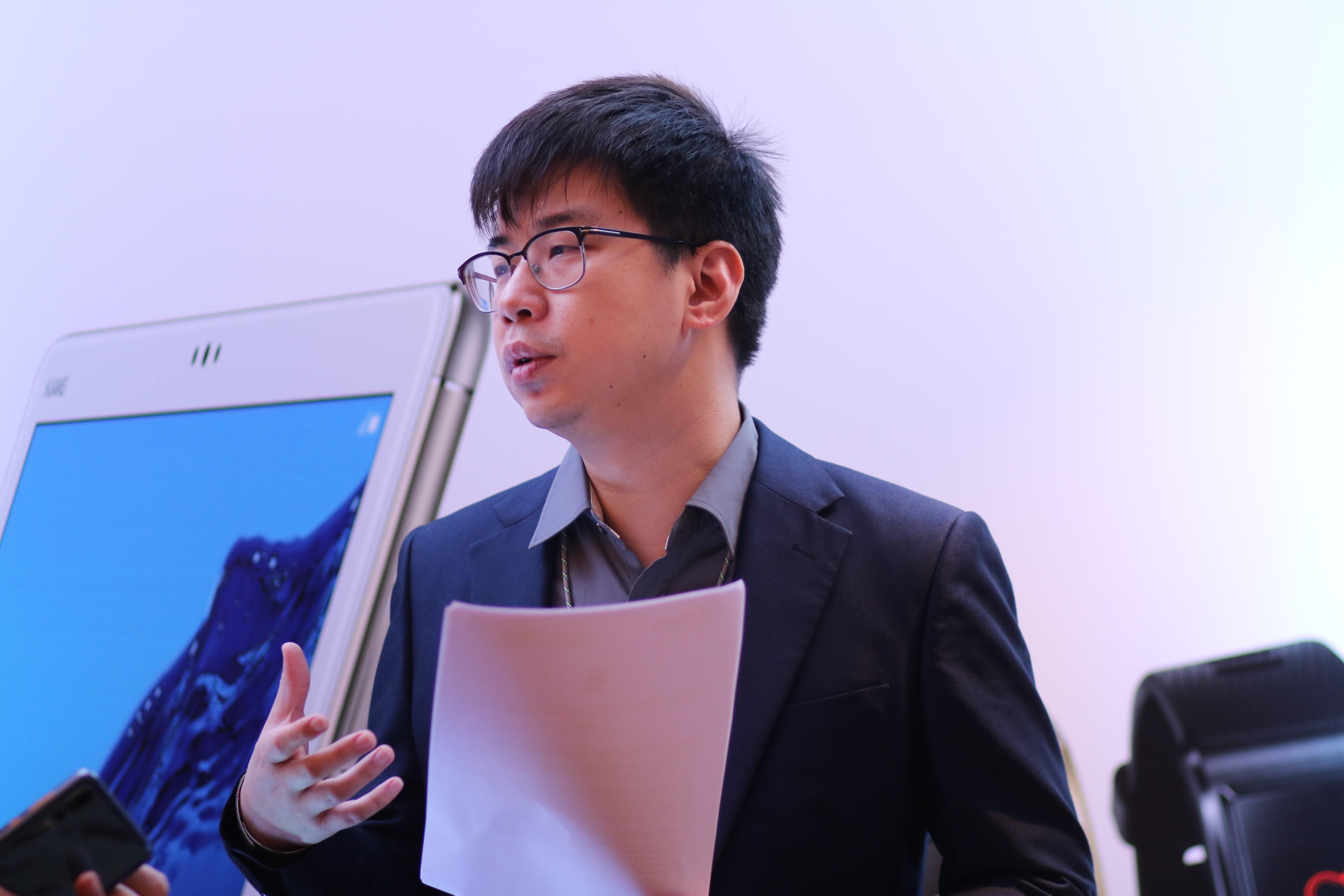 ساعات رياضية وكمبيوترات محمولة وألواح إلكترونية Huawei تقيم حفل إطلاق خاص لمنتجاتها الجديدة